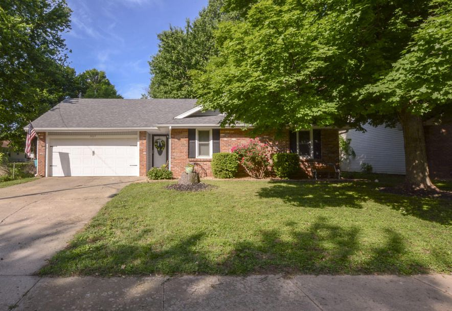 3827 South Lindell Avenue Springfield, MO 65807 - Photo 3