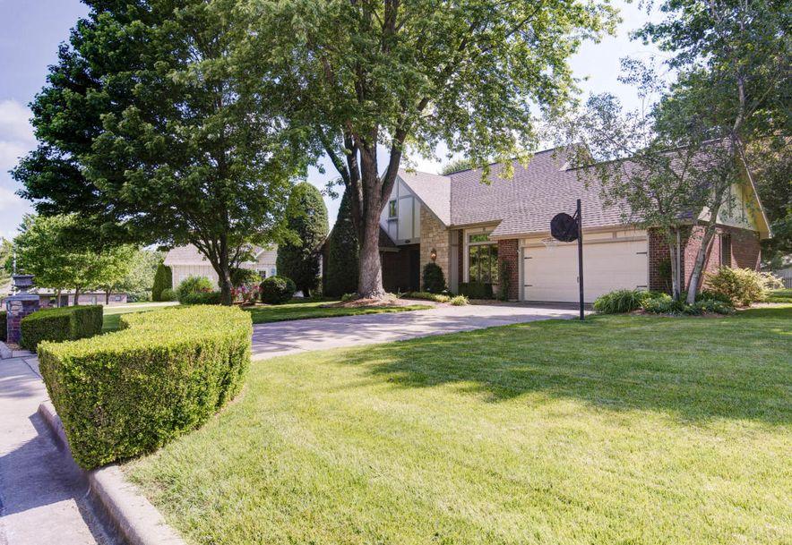 8209 Oakmont Drive Fremont Hills, MO 65714 - Photo 2