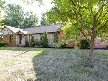 5752 South Woodcliffe Drive Springfield, MO 65804 - Image 1