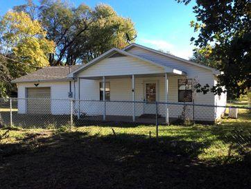 210 North Flint Avenue Bolivar, MO 65613 - Image 1
