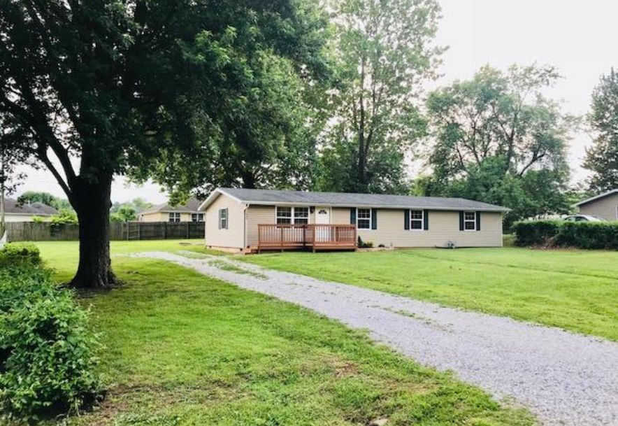 106 East Meadowbrook Avenue Clever, MO 65631 - Photo 1