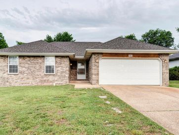 843 South Suburban Avenue Springfield, MO 65802 - Image 1