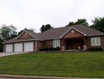 1731 South Charles Place Bolivar, MO 65613 - Image 1