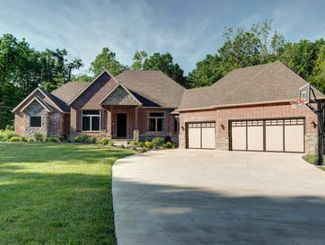 5239 South Hawthorne Drive Springfield, MO 65804 - Image 1