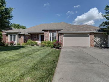 2136 South Celebration Avenue Springfield, MO 65809 - Image 1