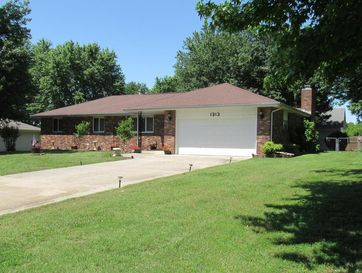 1313 Washington Aurora, MO 65605 - Image 1