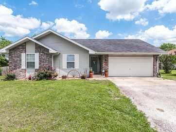 402 Lynn Drive Clever, MO 65631 - Image 1