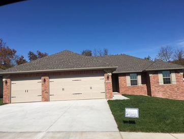 1053 East Lakota Drive Nixa, MO 65714 - Image 1