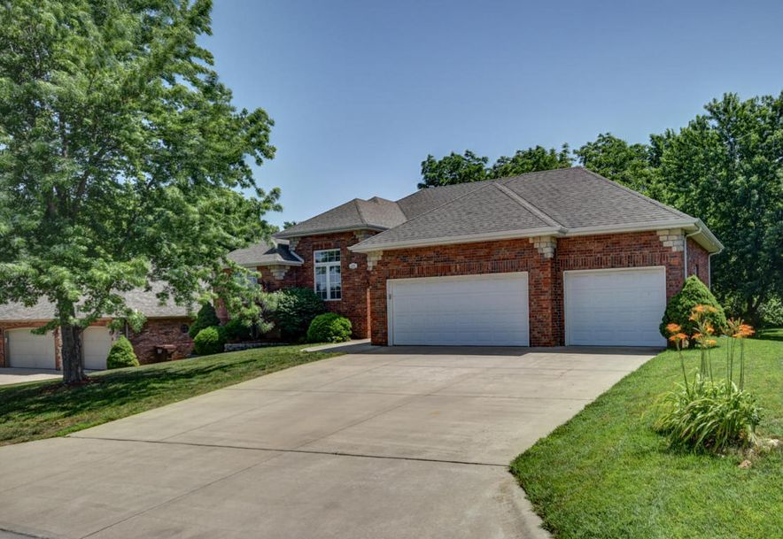 4700 South Winsor Drive Battlefield, MO 65619 - Photo 2