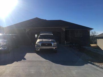958 East Lakota Drive Nixa, MO 65714 - Image 1