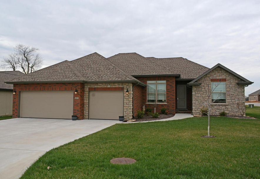 869 East Dyann Drive Nixa, MO 65714 - Photo 1