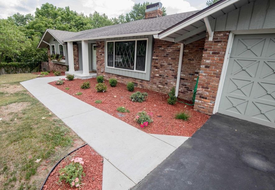 3052 East Glenwood Street Springfield, MO 65804 - Photo 2