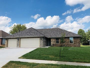 5731 East Park Place Drive Strafford, MO 65757 - Image 1