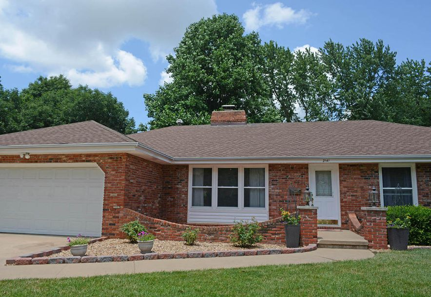 2141 East Montclair Street Springfield, MO 65804 - Photo 2