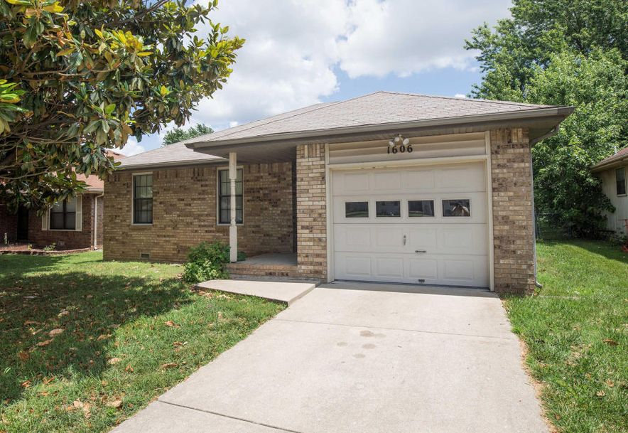 1606 North Lone Pine Avenue Springfield, MO 65803 - Photo 1