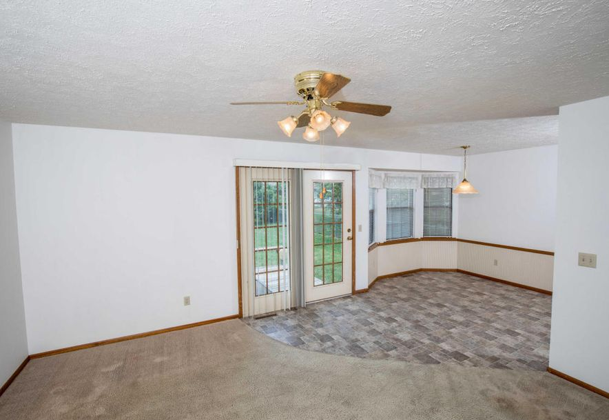 1606 North Lone Pine Avenue Springfield, MO 65803 - Photo 4