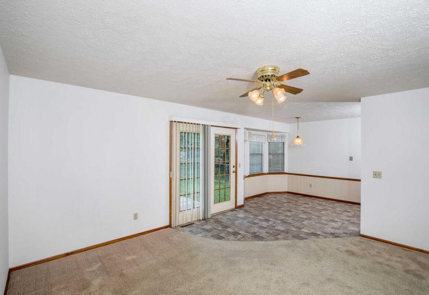 1606 North Lone Pine Avenue Springfield, MO 65803 - Photo 5