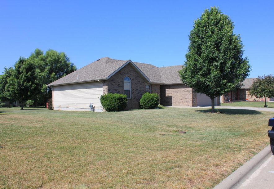 204 East Cypress Street Clever, MO 65631 - Photo 3