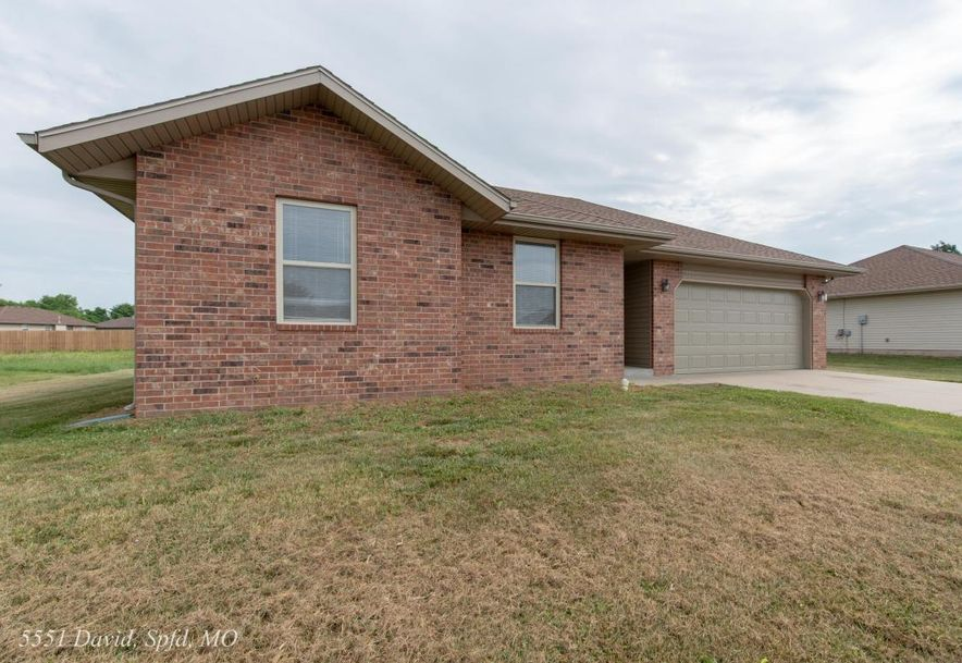 5551 West David Street Springfield, MO 65802 - Photo 2