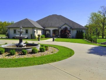 1476 East 32 Highway Bolivar, MO 65613 - Image 1