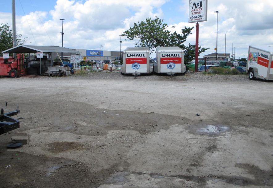965 East Mt Gilead Road Bolivar, MO 65613 - Photo 16
