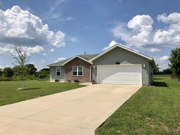 765 Birchwood Street Marshfield, MO 65706 - Image 1