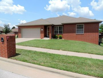 2121 West Swallow Street Springfield, MO 65810 - Image 1