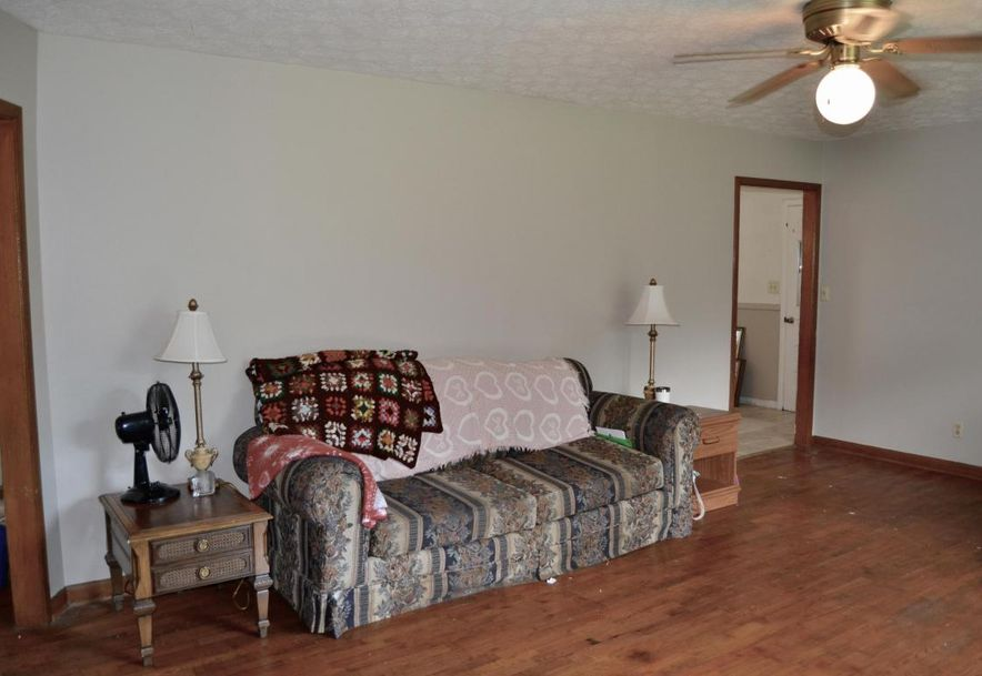 1412 South Luster Avenue Springfield, MO 65804 - Photo 9