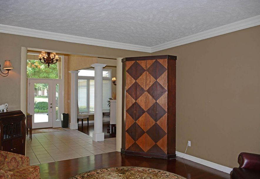 2304 South Wind Rose Place Springfield, MO 65809 - Photo 8