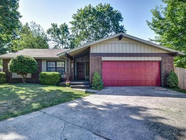2556 South Pickwick Avenue Springfield, MO 65804 - Image 1