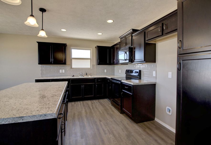 1160 Estate Avenue Marshfield, MO 65706 - Photo 3