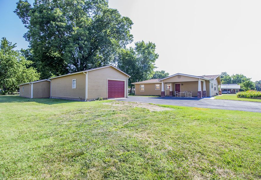 1124 South Jefferson Street Webb City, MO 64870 - Photo 21