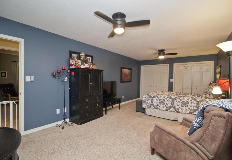 3054 West Countryside Drive Springfield, MO 65807 - Photo 19