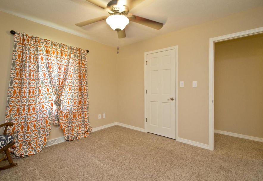3054 West Countryside Drive Springfield, MO 65807 - Photo 28