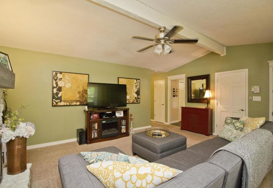 3054 West Countryside Drive Springfield, MO 65807 - Photo 5