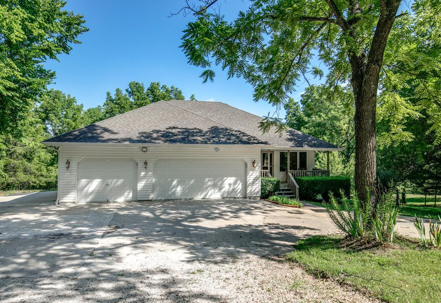 1031 Green Valley Road Clever, MO 65631 - Photo 2
