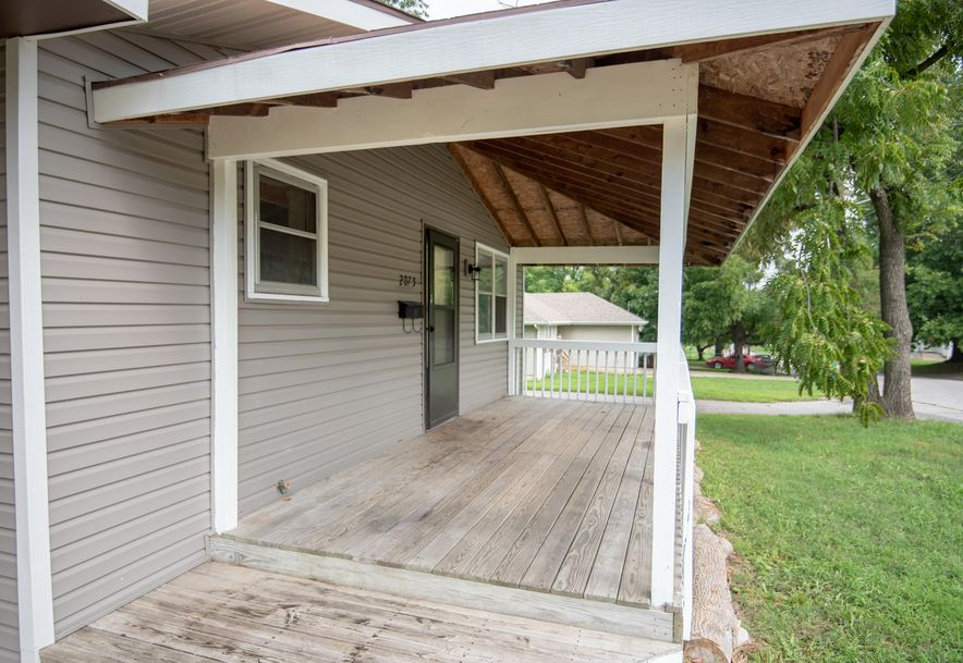 2075 North Marion Avenue Springfield, MO 65803 - Photo 2