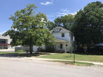 320 Greene Avenue Mountain Grove, MO 65711 - Image 1