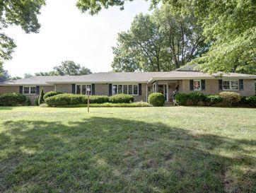 2152 South Cedarbrook Avenue Springfield, MO 65804 - Image 1