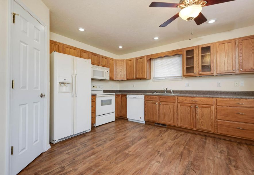 324 Shawnee Court Clever, MO 65631 - Photo 6