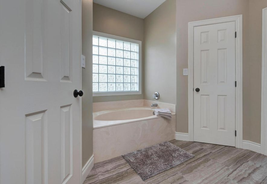 4260 East Crosswinds Place Springfield, MO 65809 - Photo 32