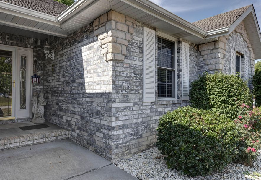 3874 West Rockwood Street Springfield, MO 65807 - Photo 2
