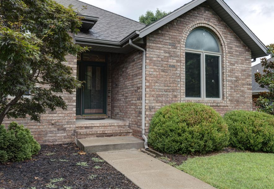 2637 East Cherryvale Street Springfield, MO 65804 - Photo 2