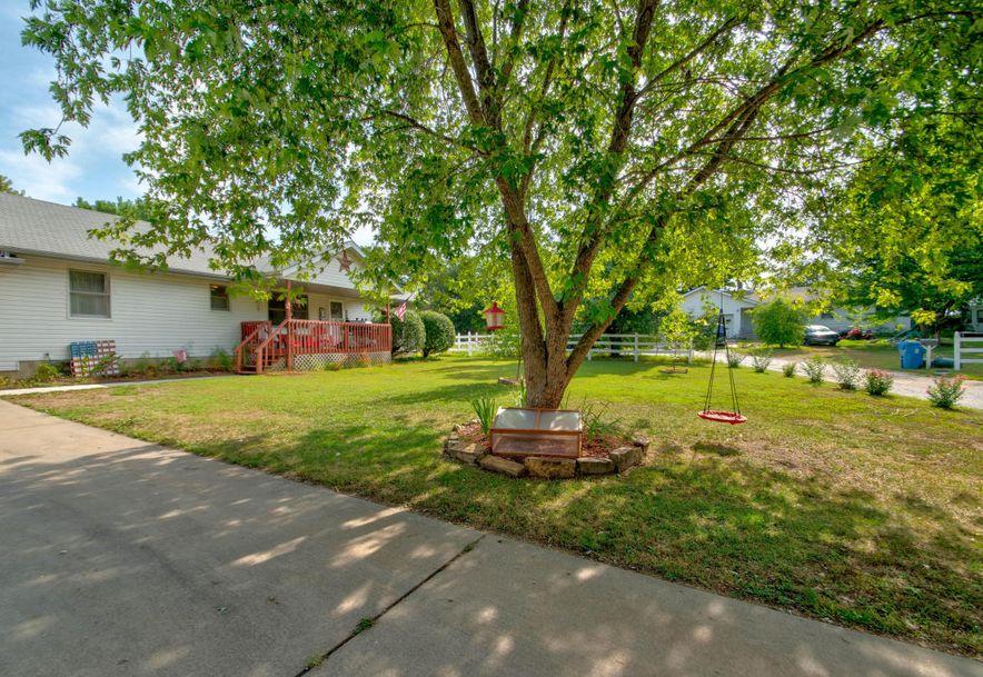 561 Sunset Street Sparta, MO 65753 - Photo 3