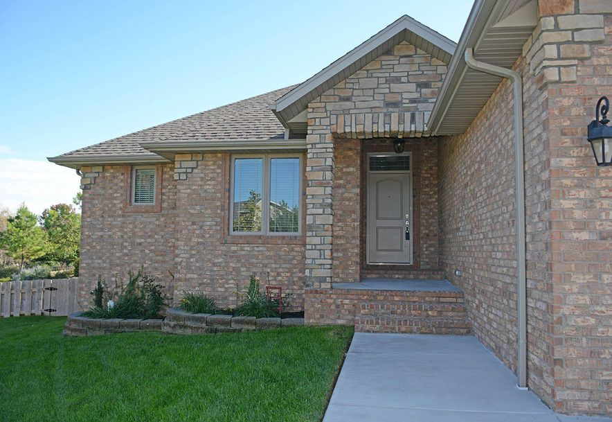 5056 East Hedgerow Drive Springfield, MO 65802 - Photo 2