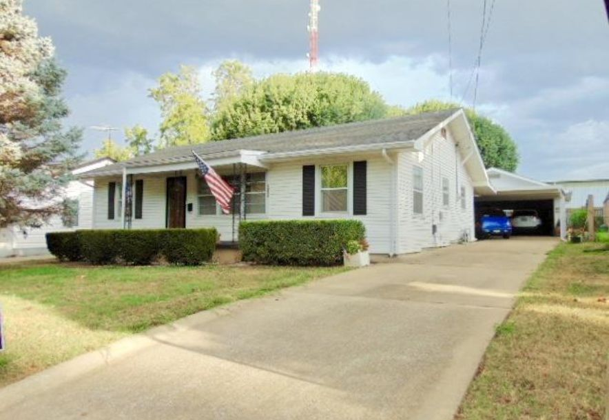 1006 West Stanford Street Springfield, MO 65807 - Photo 2