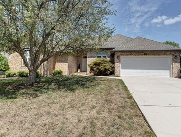 1077 East Pendleton Place Springfield, MO 65810 - Image 1