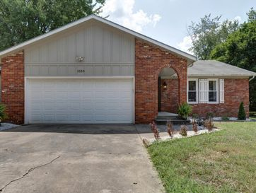 1020 East Woodland Street Springfield, MO 65807 - Image 1