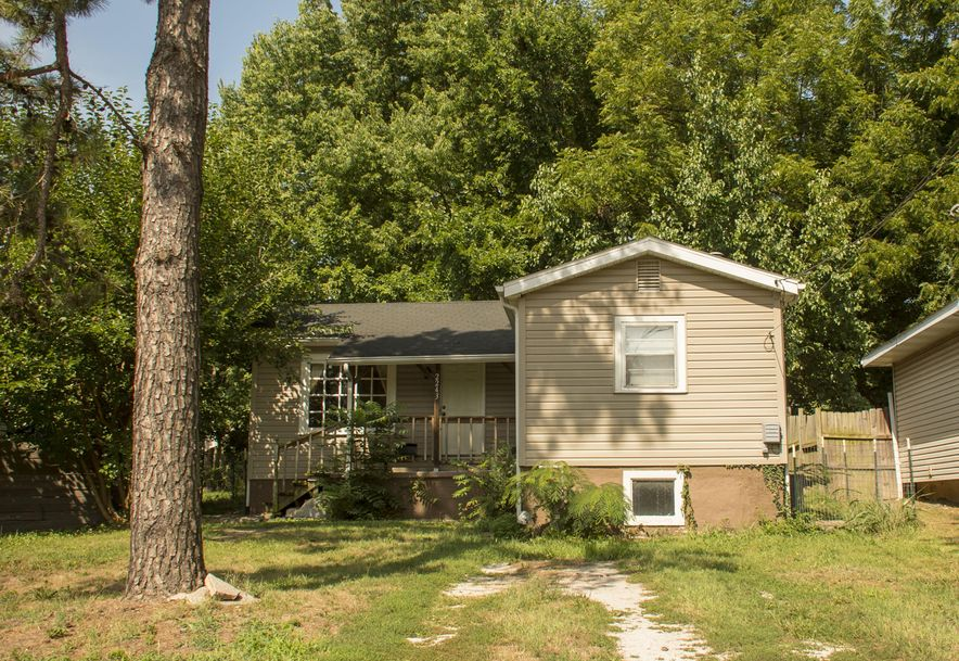 2243 North Lyon Avenue Springfield, MO 65803 - Photo 1
