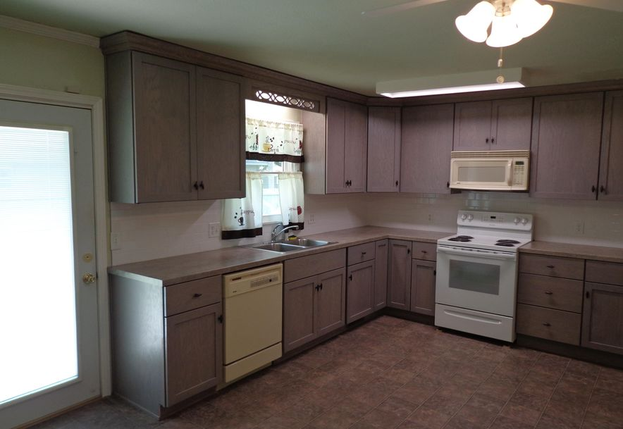 914 North Belview Avenue Springfield, MO 65802 - Photo 6